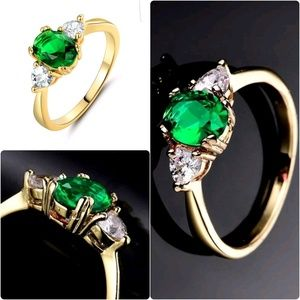 24k Yellow Gold Filled Vogue Vintage Green Oval